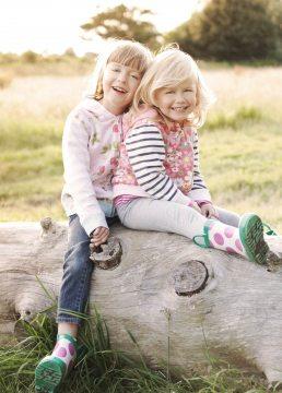children's photographer Cotswolds - Laurence Jones - sisters
