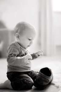 baby photographer birmingham - baby and shoe