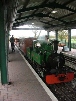 Things to do in Warwickshire with toddlers: Evesham_Vale_Light_Railway