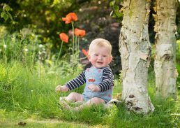 baby-photoshoot-baby-in-garden-Warwickshire