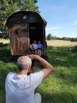 behind the scenes on a family photoshoot