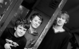 Family photograghy- brothers near Stratford-upon-Avon, Warwickshire