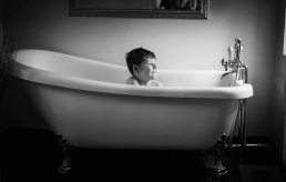 family-photographers-boy in bath