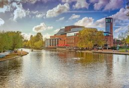 Things to do in Stratford upon avon with toddlers: RSC